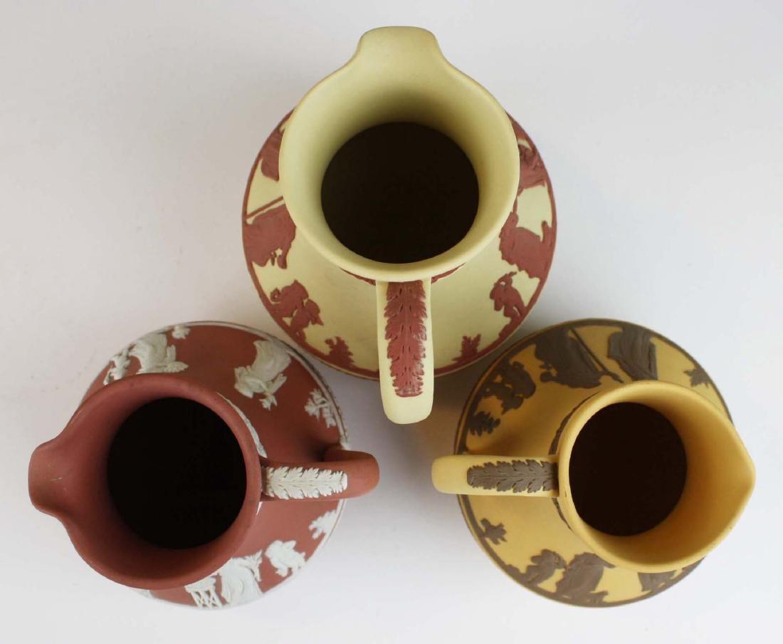 3 Wedgwood Jasperware Etruscan pottery jugs in unusual - 6