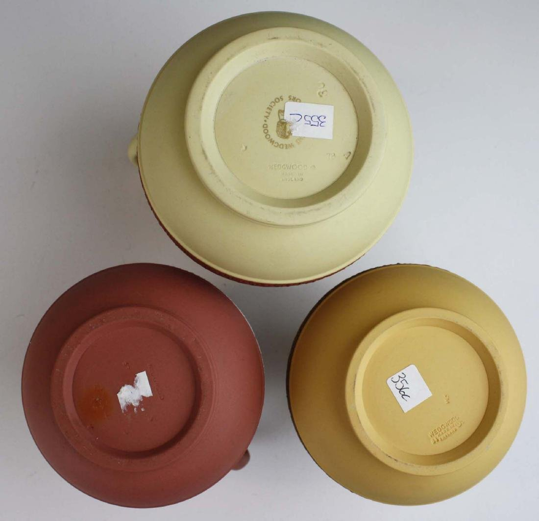 3 Wedgwood Jasperware Etruscan pottery jugs in unusual - 7