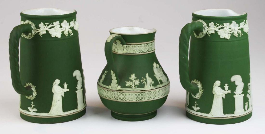 3  Wedgwood olive dip Jasperware jugs incl. Etruscan - 4