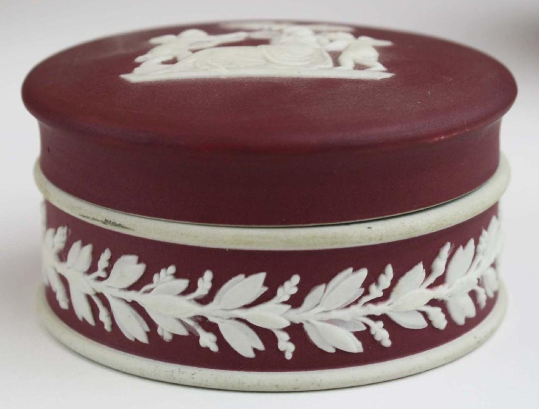 5 pcs scarce Wedgwood crimson dip Jasperware incl. 3 - 3