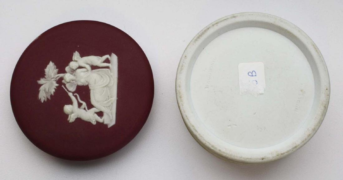 5 pcs scarce Wedgwood crimson dip Jasperware incl. 3 - 6