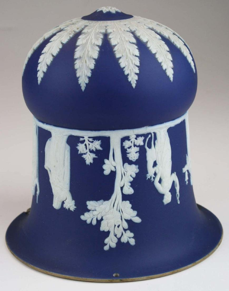 scarce Wedgwood cobalt dip Jasperware pottery hanging - 3