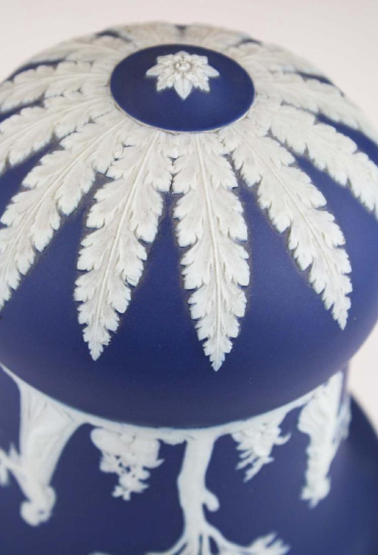 scarce Wedgwood cobalt dip Jasperware pottery hanging - 6