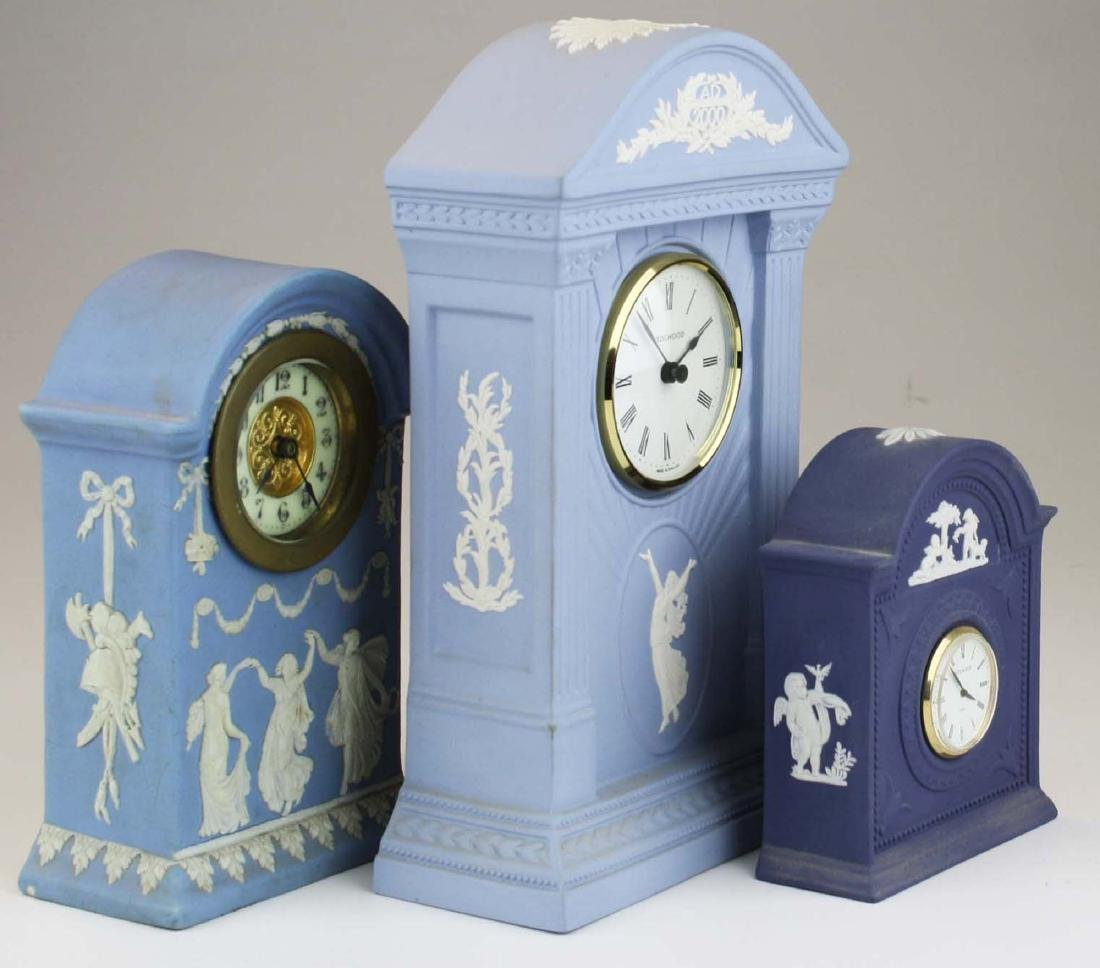 3 Wedgwood Jasperware pottery cased desk clocks - 2