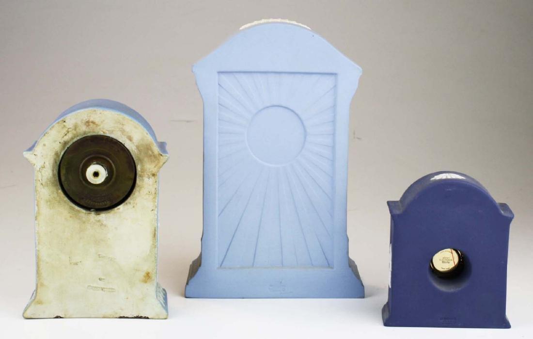 3 Wedgwood Jasperware pottery cased desk clocks - 3