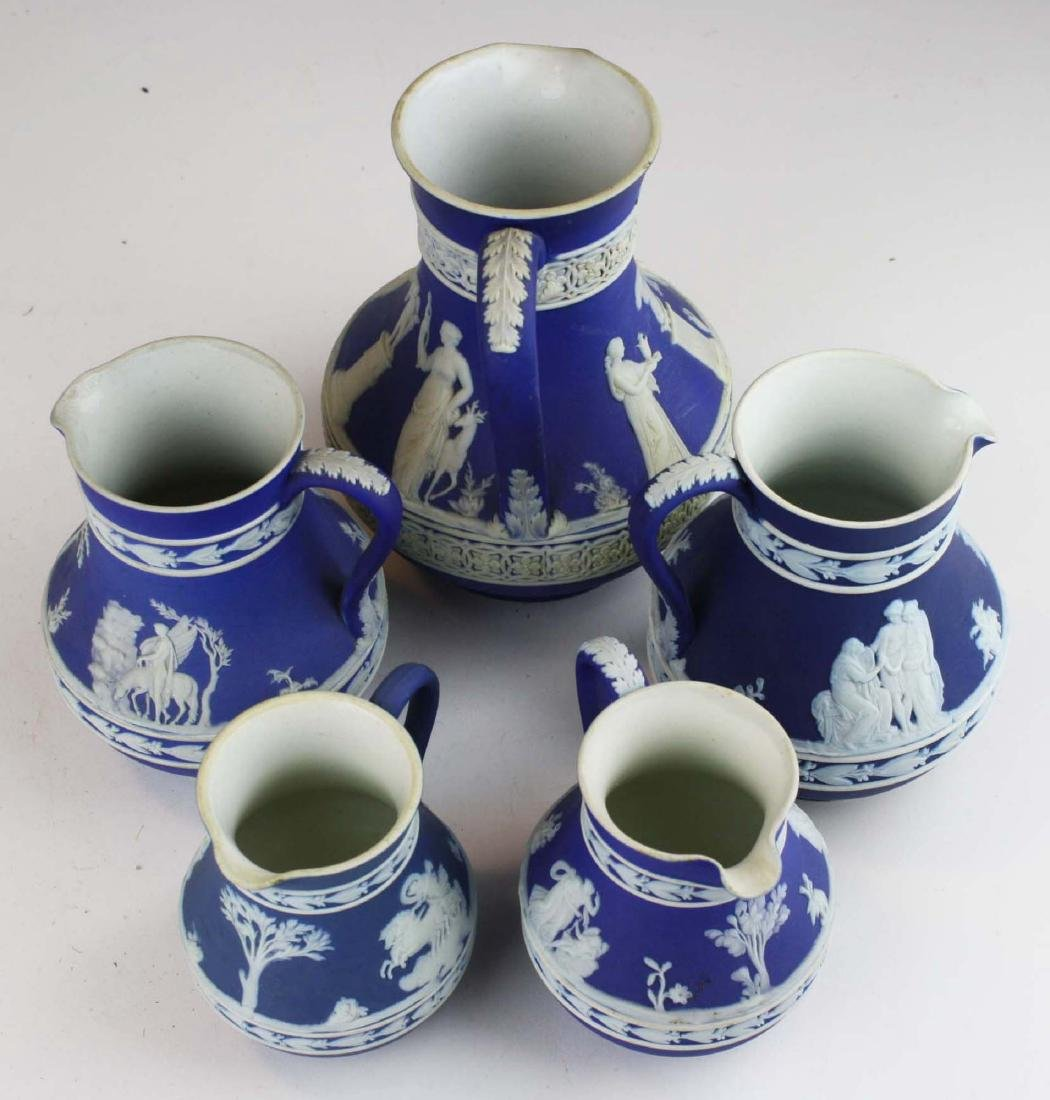 lot of 5 Wedgwood cobalt blue dip Jasperware Etruscan - 5