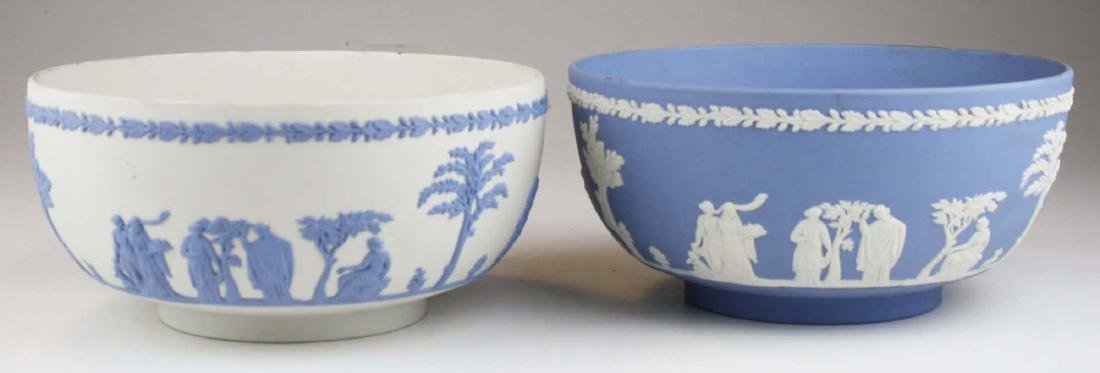 2 Wedgwood Jasperware Sacrifice serving or centerpiece - 3