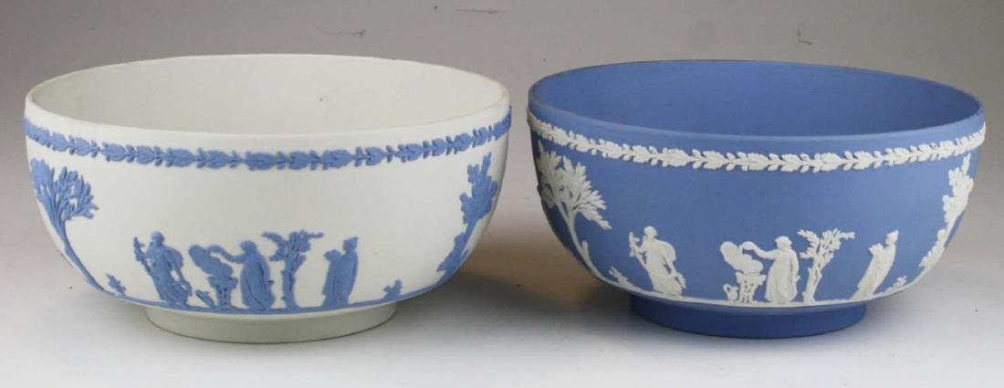 2 Wedgwood Jasperware Sacrifice serving or centerpiece - 5