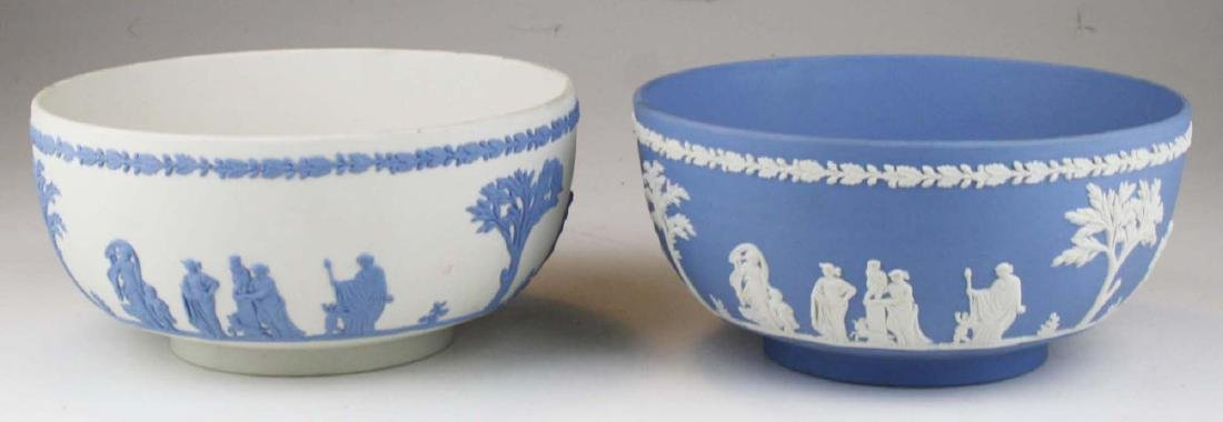 2 Wedgwood Jasperware Sacrifice serving or centerpiece - 6