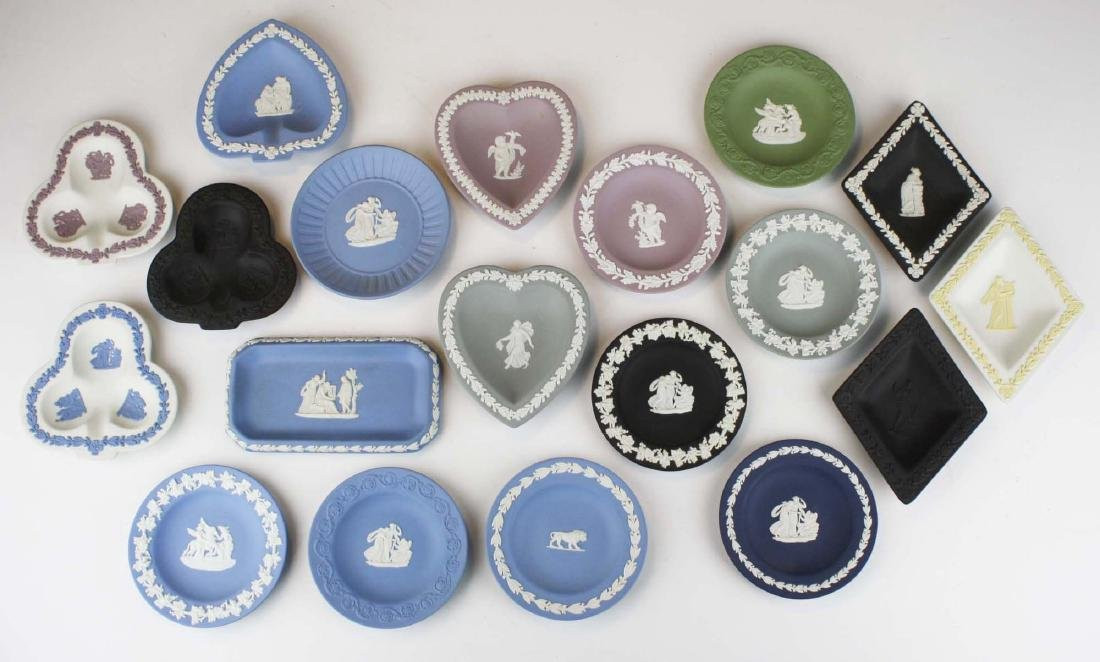 19 Wedgwood Jasperware pottery pin trays, some in