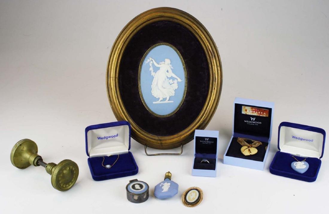 9 Wedgwood pottery articles including Jasperware set