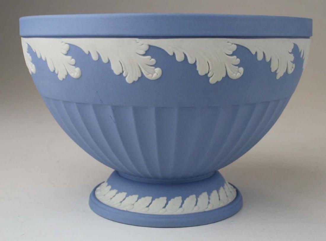 3 Wedgwood solid blue Jasperware pieces, mint in - 2