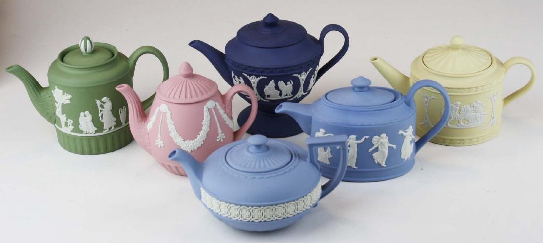 6 Wedgwood Jasperware mini teapots, mint in original