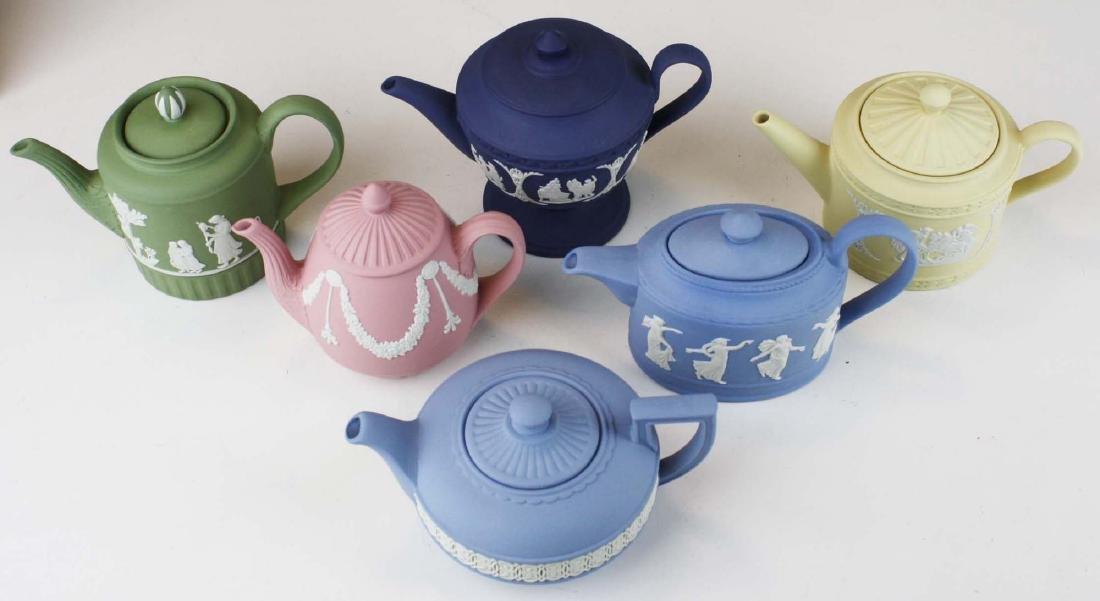 6 Wedgwood Jasperware mini teapots, mint in original - 2