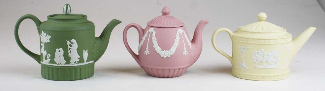 6 Wedgwood Jasperware mini teapots, mint in original - 3