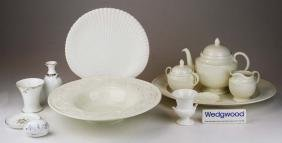 13 pcs Wedgwood porcelain tableware incl. 3 pc Edme tea