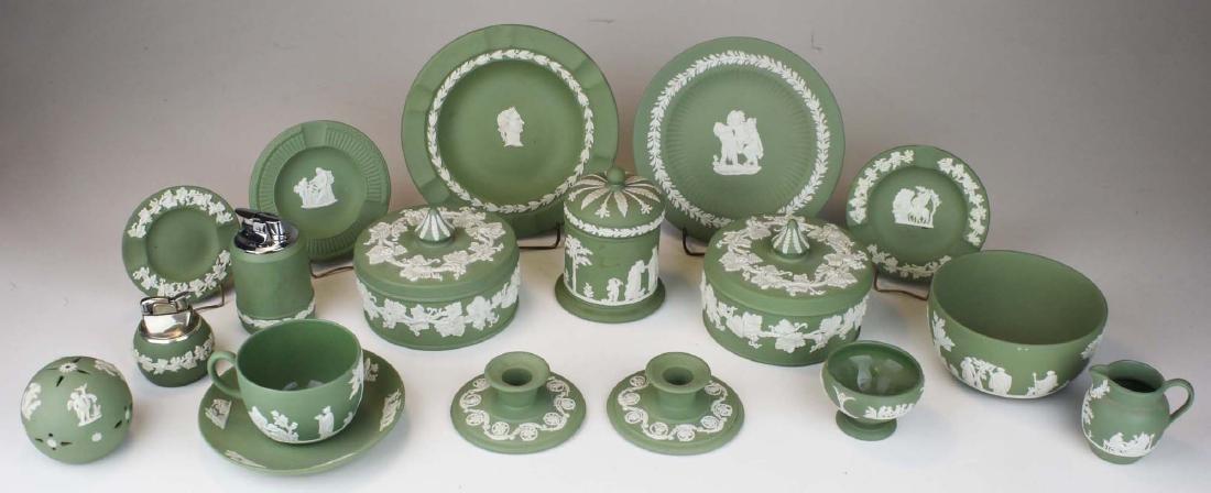 18 pcs. Wedgwood solid sage green Jasperware tableware - 10