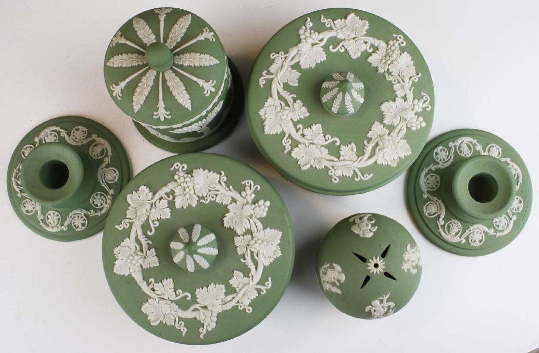 18 pcs. Wedgwood solid sage green Jasperware tableware - 2
