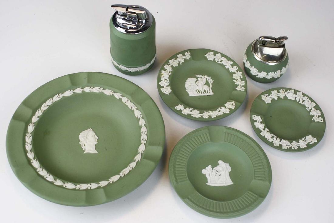 18 pcs. Wedgwood solid sage green Jasperware tableware - 3