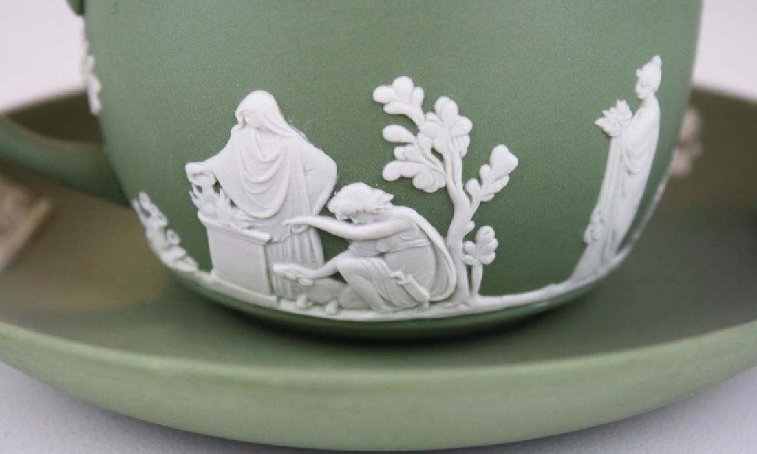 18 pcs. Wedgwood solid sage green Jasperware tableware - 4