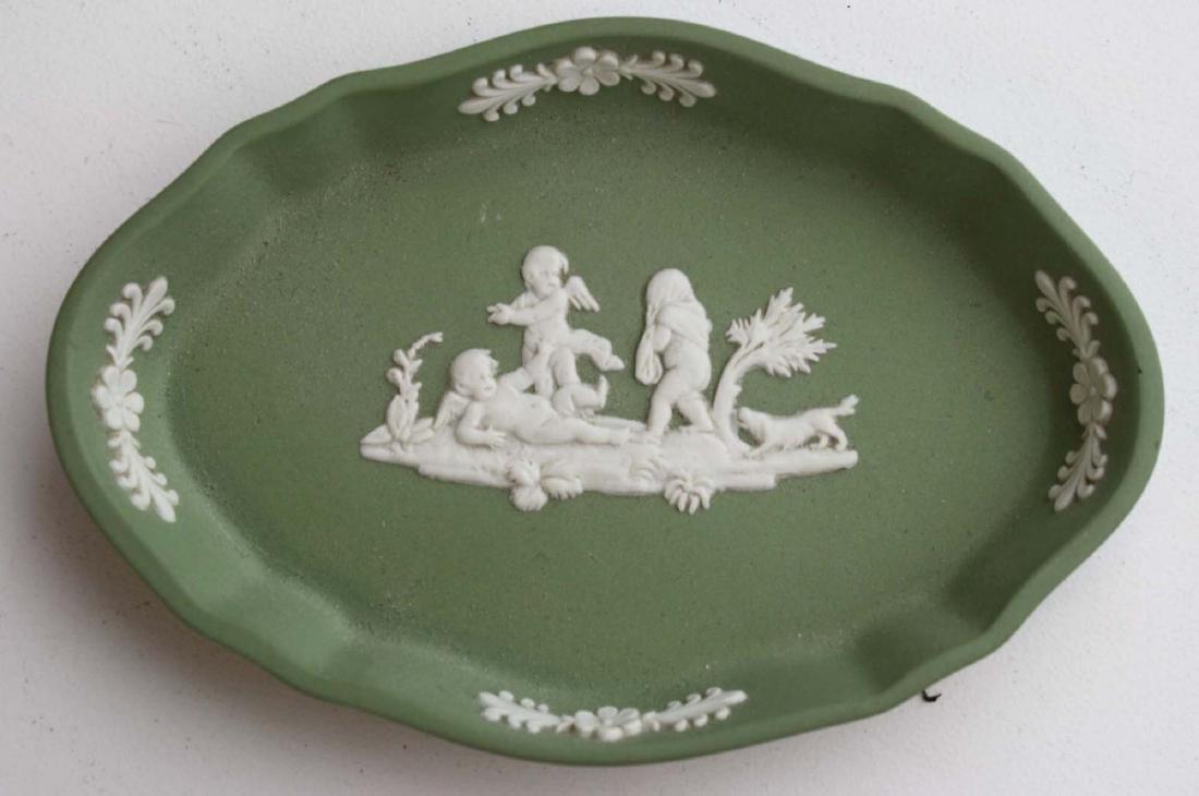 18 pcs. Wedgwood solid sage green Jasperware tableware - 6