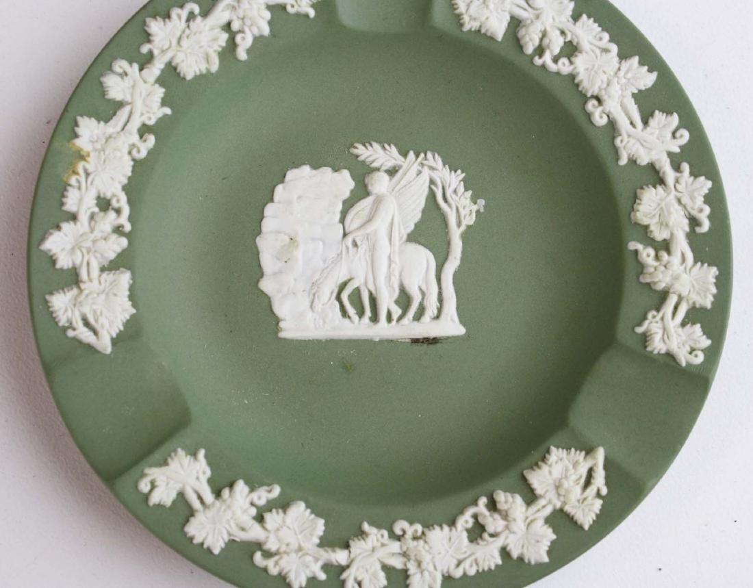18 pcs. Wedgwood solid sage green Jasperware tableware - 8