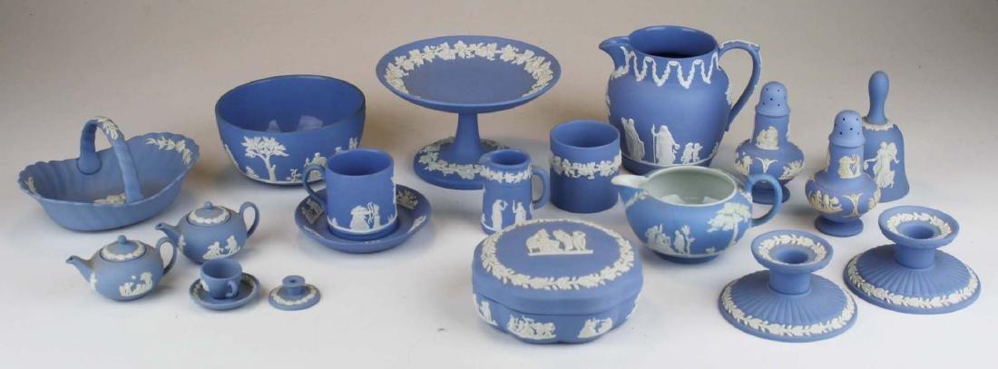 18 pcs. Wedgwood pale blue Jasperware tableware incl.
