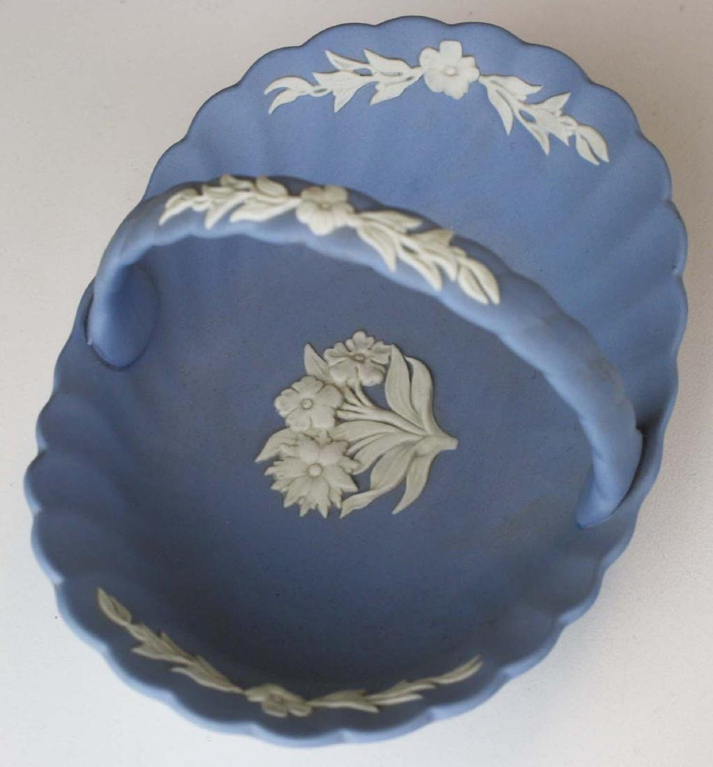 18 pcs. Wedgwood pale blue Jasperware tableware incl. - 2
