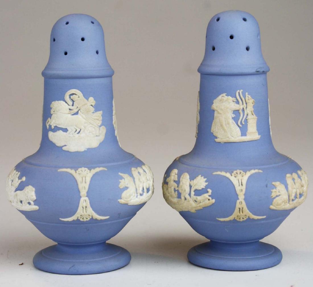 18 pcs. Wedgwood pale blue Jasperware tableware incl. - 3