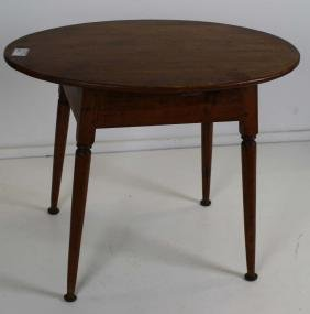 Queen Anne Maple oval top tavern table
