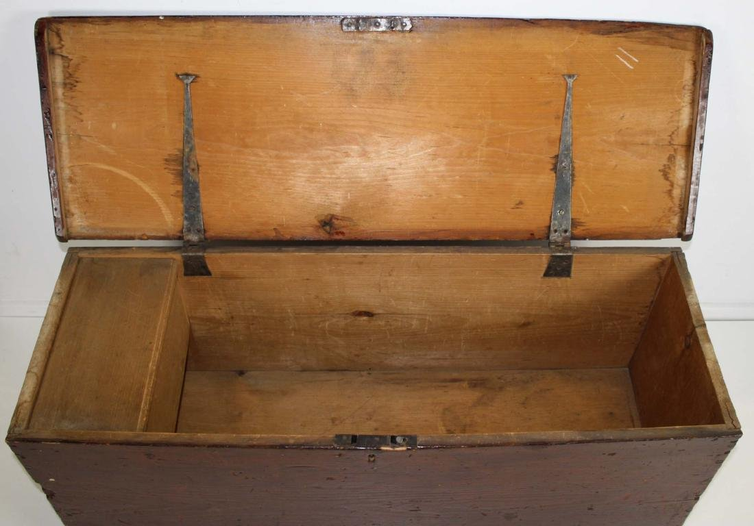 19th c Pine bootjack end blanket box - 3