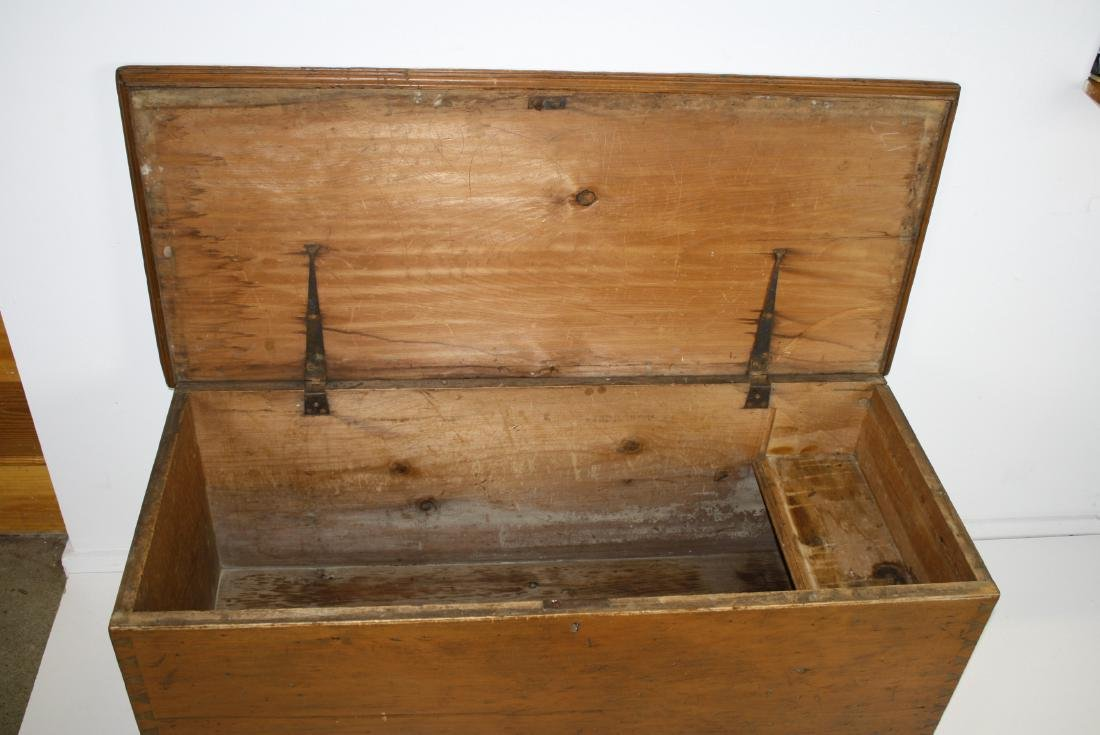 19th c Quebec pine blanket box - 2