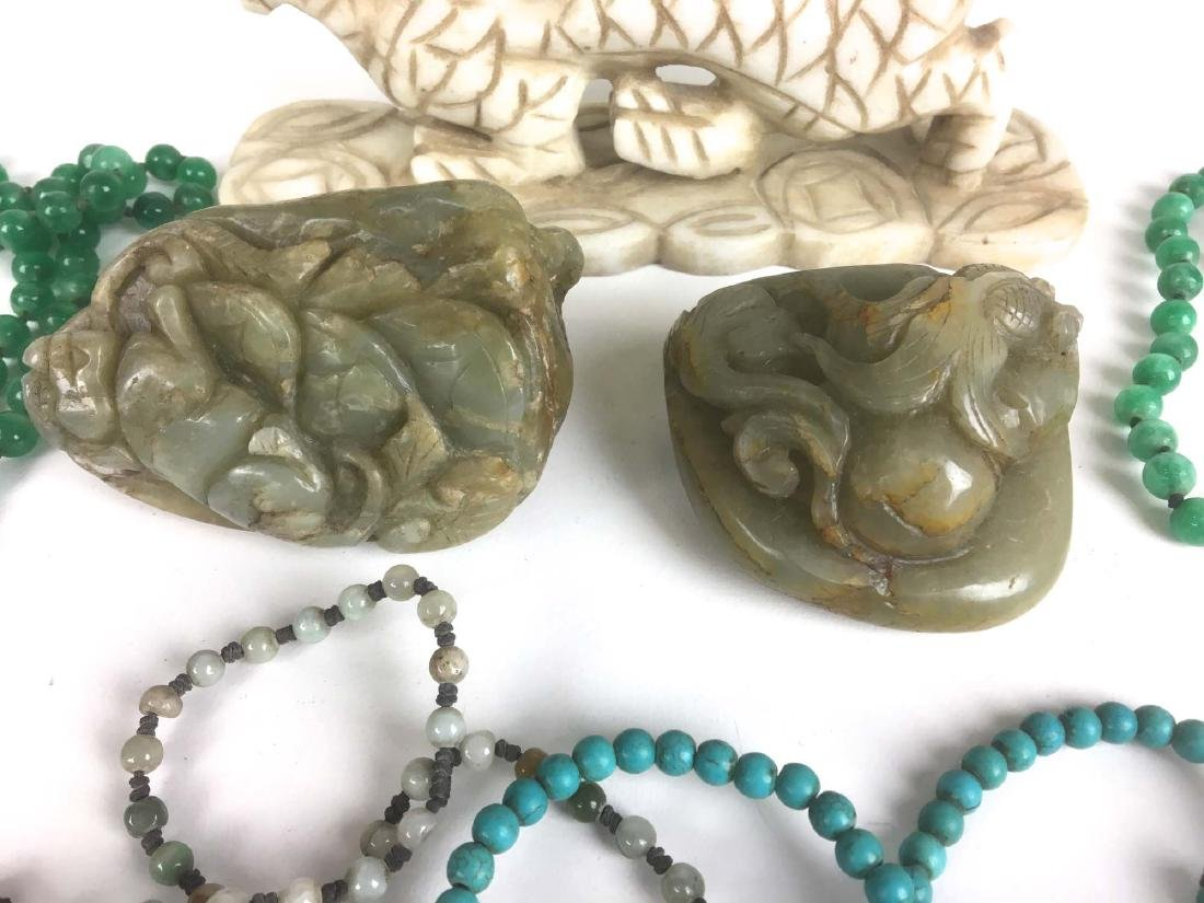 Lot Chinese jewelry, jade beads, carvings and pendants. - 2