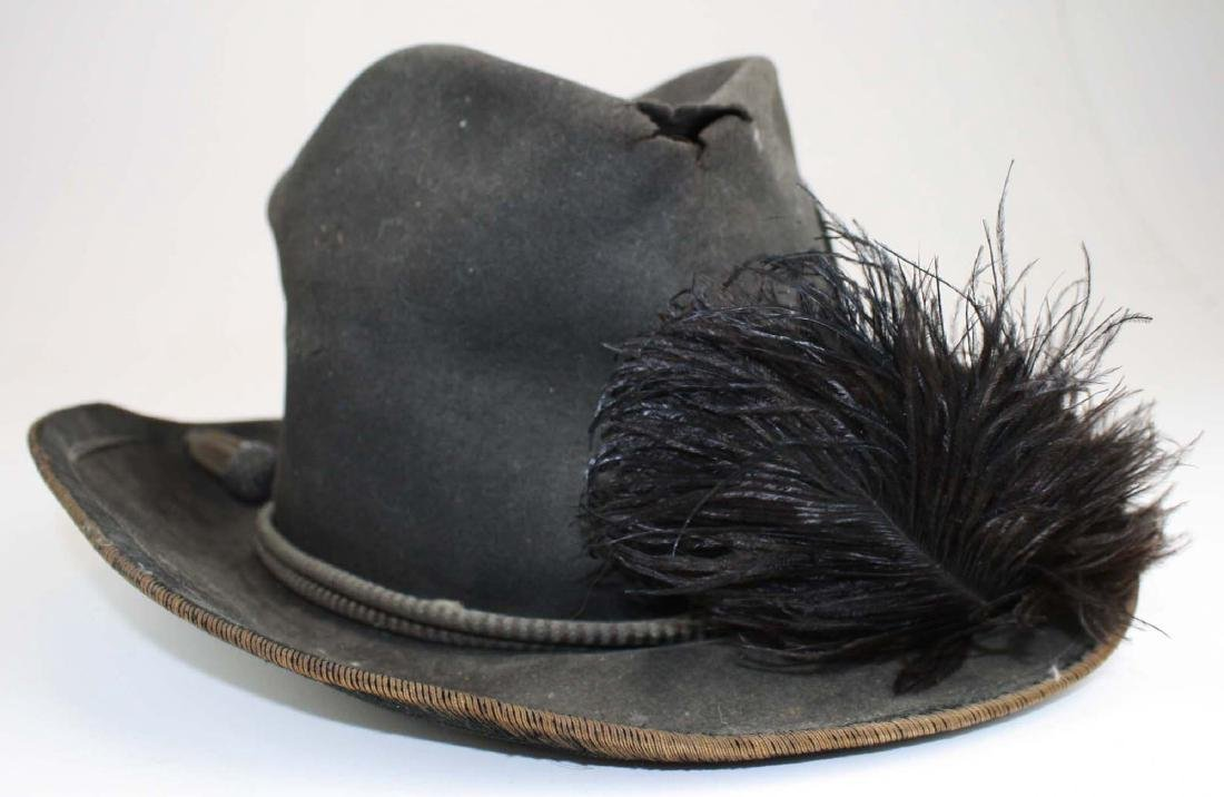 US Officers Slouch Hat with fatal wound - 4