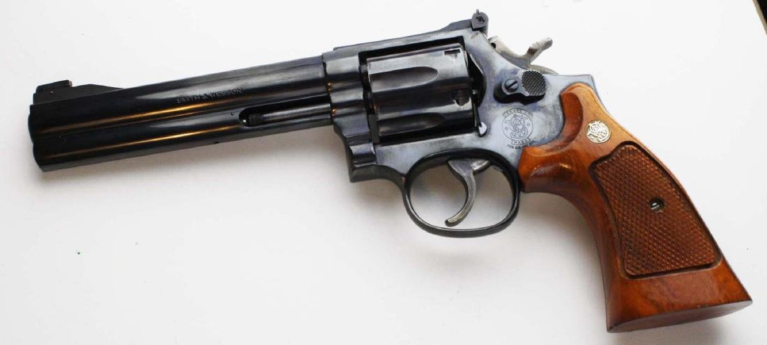Smith and Wesson Model 586 - 4