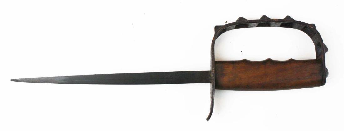 1917 US WWI trench knife w/ knuckle grip - 2