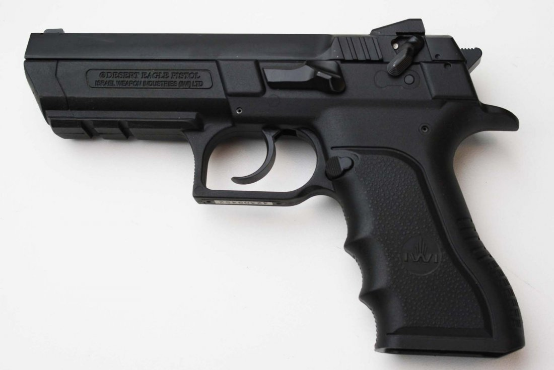 Israel Weapons Industries Desert Eagle Pistol in 9mm - 3