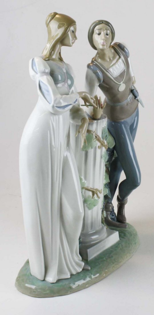 Lladro Romeo and Julliet  porcelain figure - 2