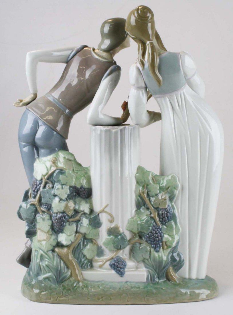 Lladro Romeo and Julliet  porcelain figure - 3
