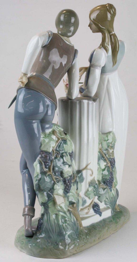 Lladro Romeo and Julliet  porcelain figure - 4