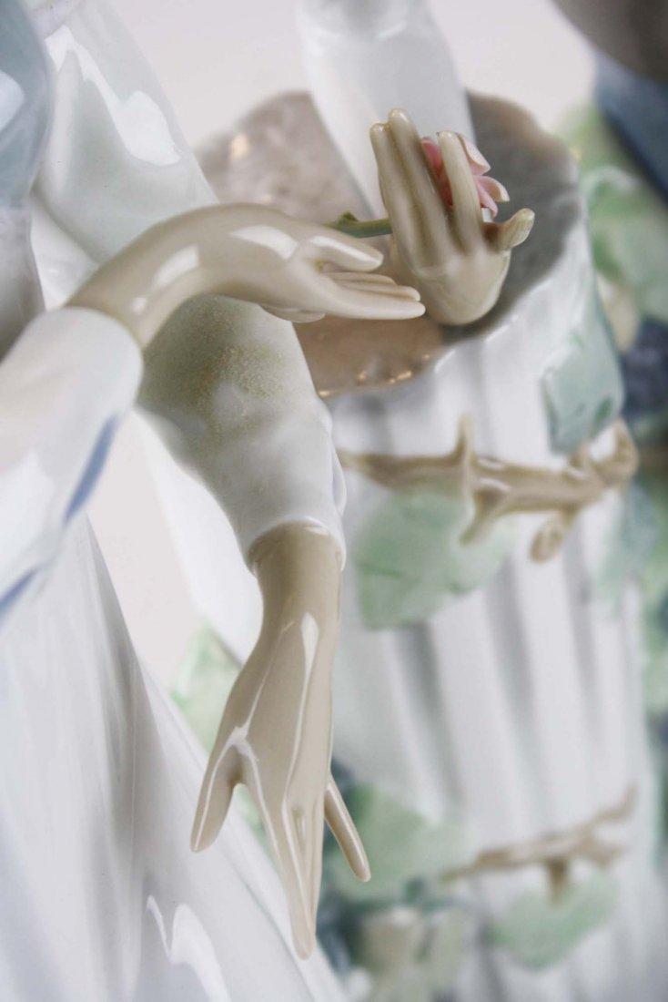 Lladro Romeo and Julliet  porcelain figure - 6