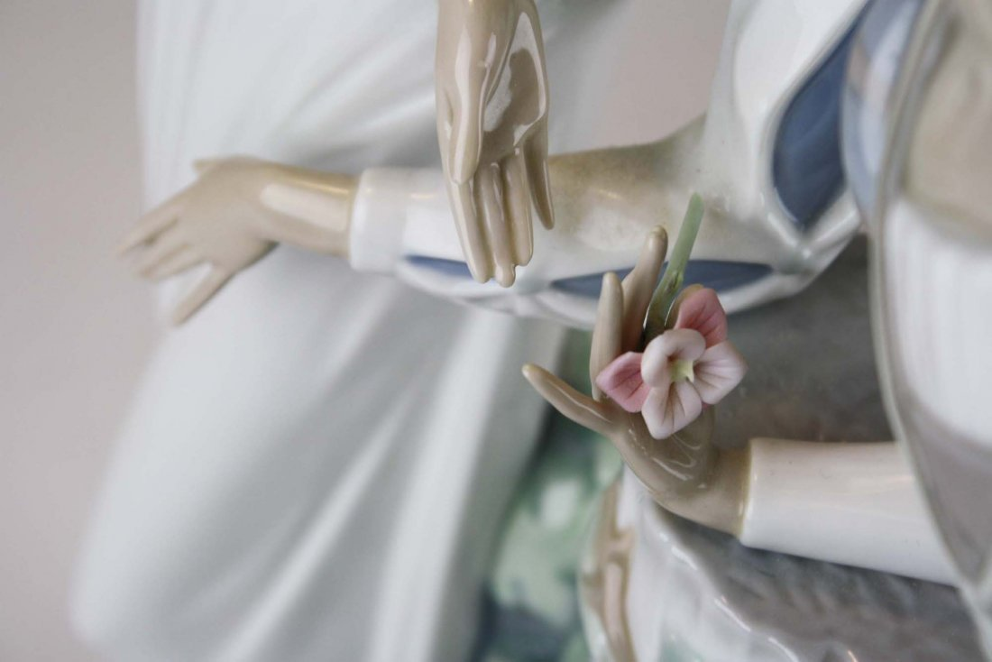 Lladro Romeo and Julliet  porcelain figure - 7