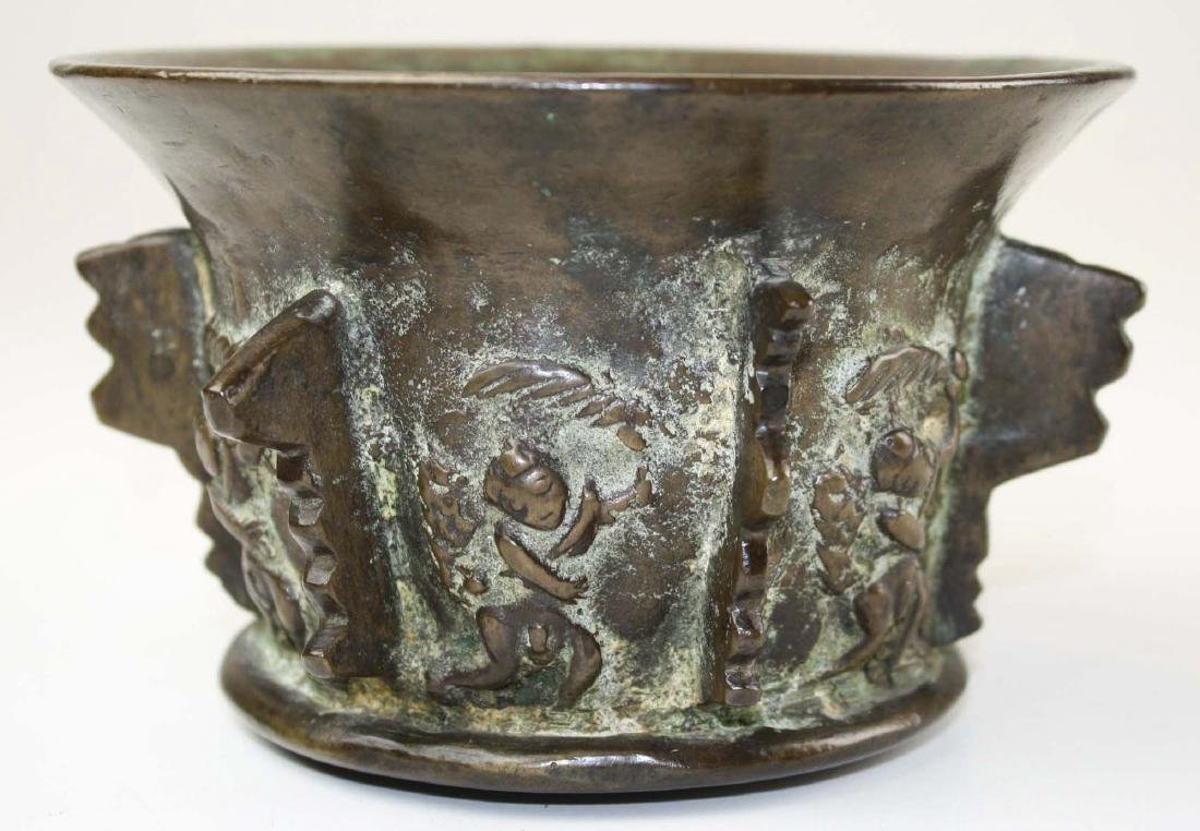 17th c Spanish bronze apothecary mortar