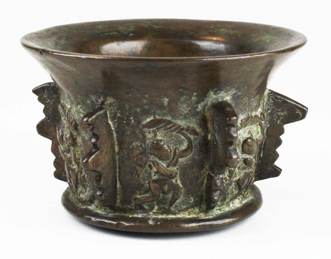 17th c Spanish bronze apothecary mortar - 3