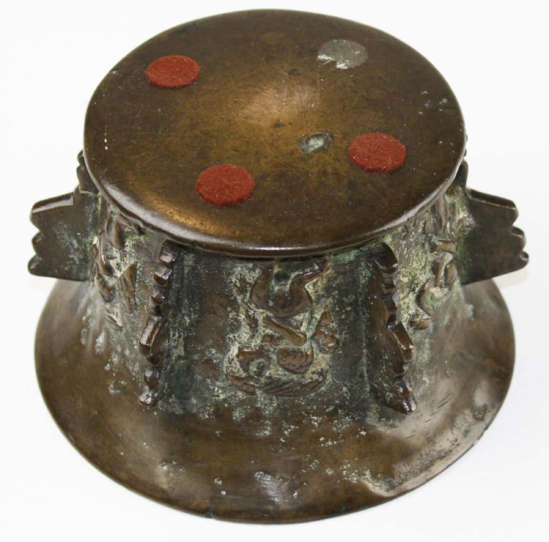 17th c Spanish bronze apothecary mortar - 5