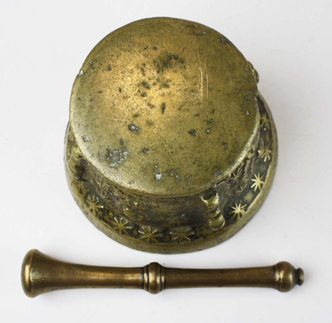 17th c Spanish bronze apothecary mortar - 6