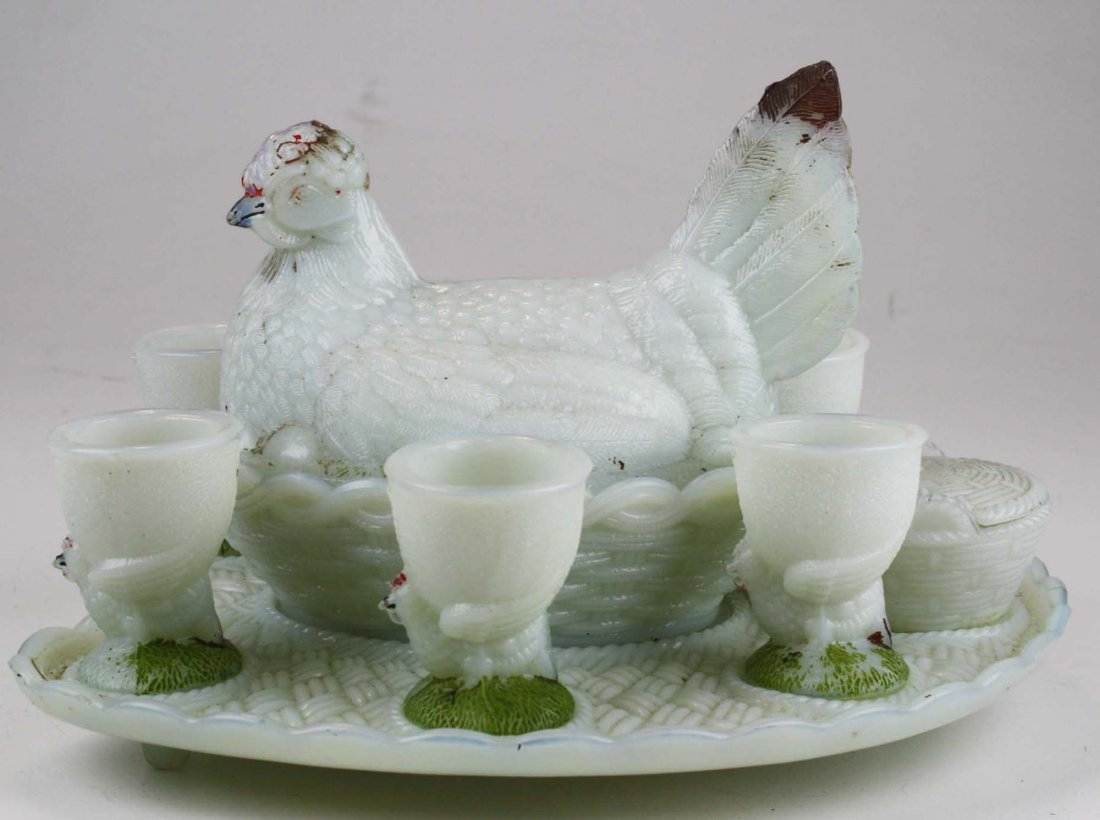 Vallerysthal milk glass hen on nest set