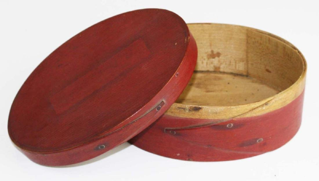 19th c Shaker oval box in red paint - 2