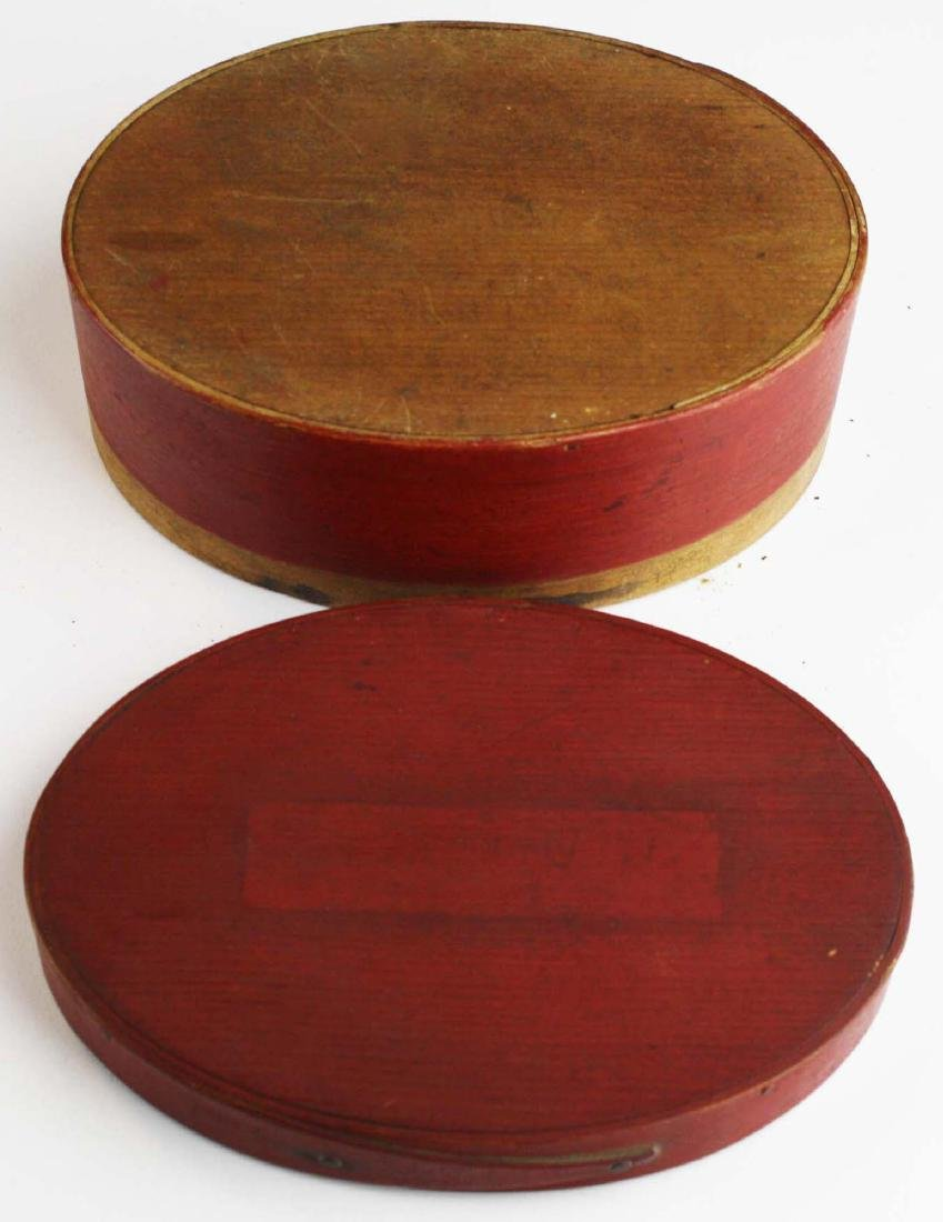 19th c Shaker oval box in red paint - 6