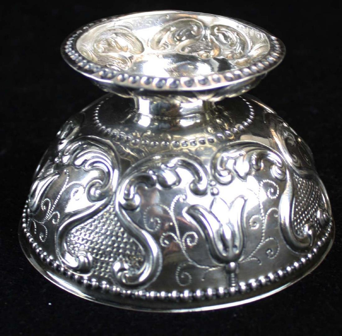 19th c. Dutch repousse silver footed bowl - 10